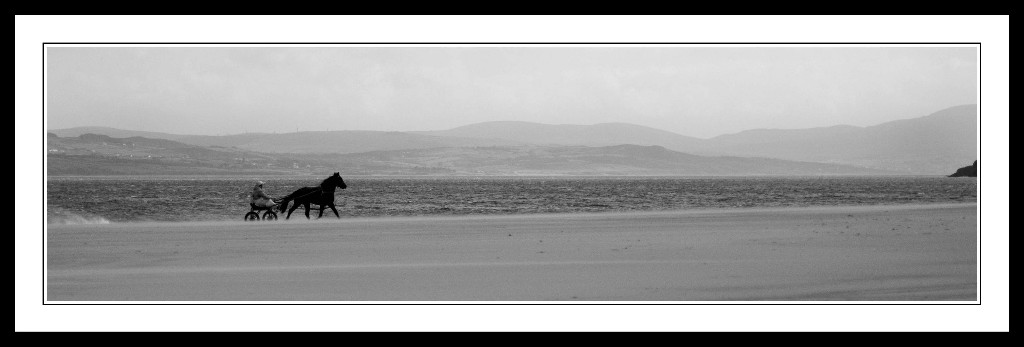 horse-and-trap-on-the-beach-in-donegal-1
